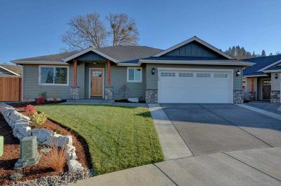 Grants Pass Single Family Home For Sale: 169 SE Briggs Way