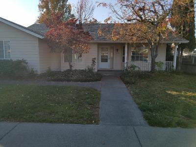 Grants Pass Single Family Home For Sale: 1828 SW West Harbeck Road