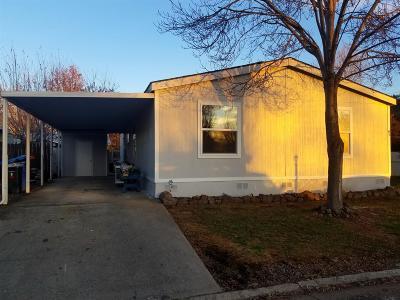 Jackson County, Josephine County Mobile Home For Sale: 633 E Archwood Drive #84