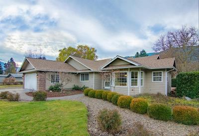 Rogue River Single Family Home For Sale: 50 Lloyellen Drive
