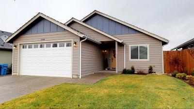 Grants Pass Single Family Home For Sale: 2294 Gayle Way