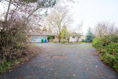grants pass Single Family Home For Sale: 1055 Mayfair Lane
