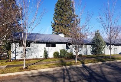 Medford Single Family Home For Sale: 2405 Brentwood Street