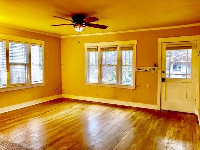 Medford Single Family Home For Sale: 818 sherman Street