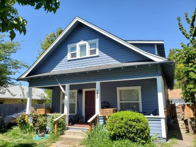 Grants Pass Multi Family Home For Sale: 720 SW L Street #M, A, B