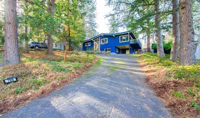 Ashland Single Family Home For Sale: 799 Roca Street