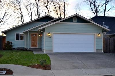 Grants Pass Single Family Home For Sale: 1594 SW Yucca Drive