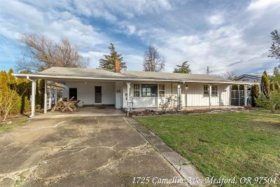 Medford Single Family Home For Sale: 1725 Camellia Avenue