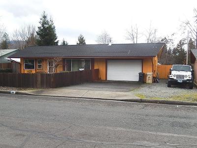 Merlin, Sunny Valley, Wimer, Rogue River, Wilderville, Grants Pass, Hugo, Wolf Creek, Murphy Single Family Home For Sale: 1561 SW Jordan Street