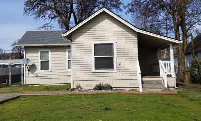 Grants Pass Single Family Home For Sale: 704 SW K Street