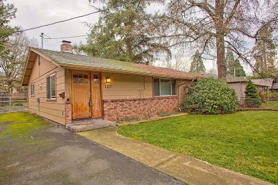 Merlin, Sunny Valley, Wimer, Rogue River, Wilderville, Grants Pass, Hugo, Wolf Creek, Murphy Single Family Home For Sale: 1219 NW Hawthorne Avenue