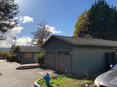 Merlin, Sunny Valley, Wimer, Rogue River, Wilderville, Grants Pass, Hugo, Wolf Creek, Murphy Multi Family Home For Sale: 1812 NE D Street