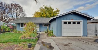 White City Single Family Home For Sale: 8219 Division Road