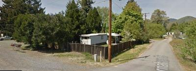 Grants Pass Single Family Home For Sale: 1760 Rogue River Highway