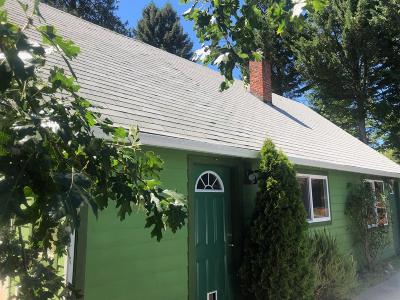Grants Pass Single Family Home For Sale: 1300 NW Highland Avenue