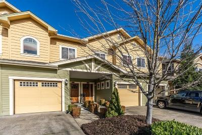 Grants Pass Condo/Townhouse For Sale: 1704 SE Softwood Way