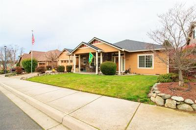 Eagle Point Single Family Home For Sale: 344 Cherry Wood