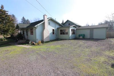 Medford OR Single Family Home For Sale: $239,900