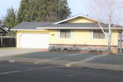 Phoenix Single Family Home For Sale: 400 Barnum Drive