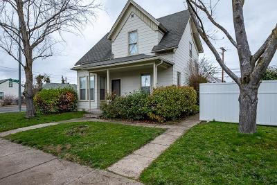 Medford Single Family Home For Sale: 325 W 4th Street
