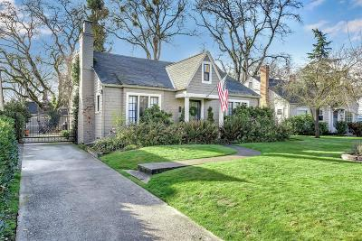Single Family Home For Sale: 1620 E Main Street