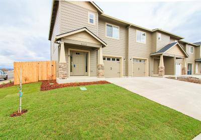 White City Condo/Townhouse For Sale: 3411 Sharon Way