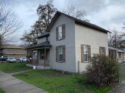 Grants Pass OR Multi Family Home For Sale: $265,000