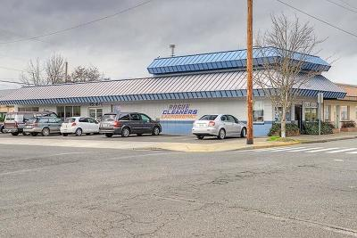 Grants Pass OR Commercial For Sale: $495,000