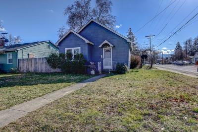 Single Family Home For Sale: 1051 W 11th Street