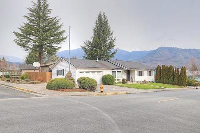 Grants Pass Single Family Home For Sale: 1010 NW Morgan Lane