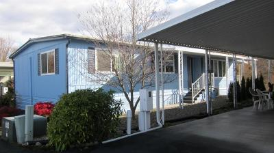 Grants Pass Mobile Home For Sale: 374 Lakeview Drive