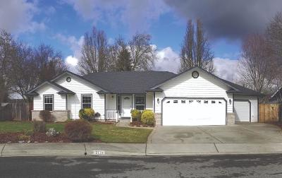 Grants Pass OR Single Family Home For Sale: $309,000