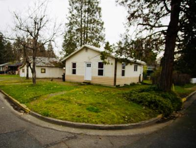 Grants Pass Single Family Home For Sale: 1605 SW I Street