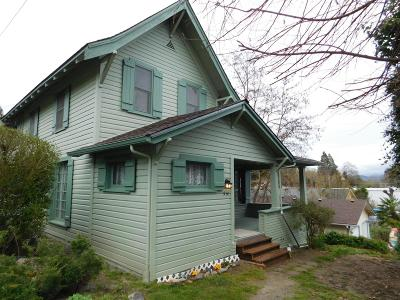 Grants Pass Multi Family Home For Sale: 914 NW E Street NW