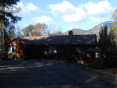 Grants Pass Single Family Home For Sale: 4260 Rogue River Highway
