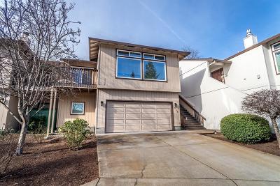 Medford Condo/Townhouse For Sale: 256 Mt Echo Drive
