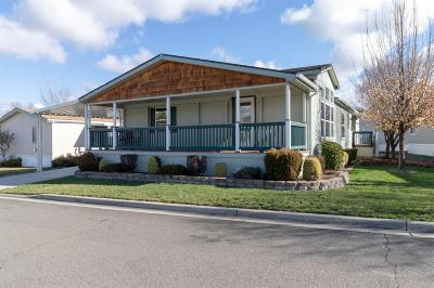 Medford Mobile Home For Sale: 10 E South Stage Road #304