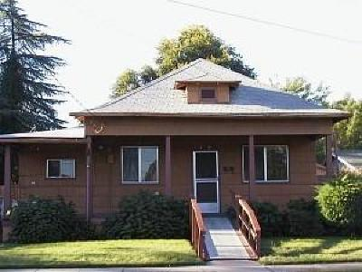 Jackson County, Josephine County Single Family Home For Sale: 1119 W Fourth Street
