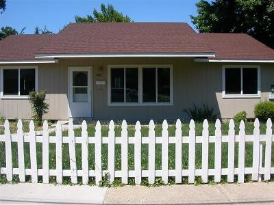 Medford Multi Family Home For Sale: 942 Murray Avenue