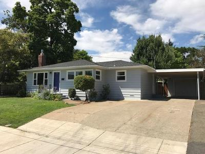 Grants Pass OR Single Family Home For Sale: $209,900