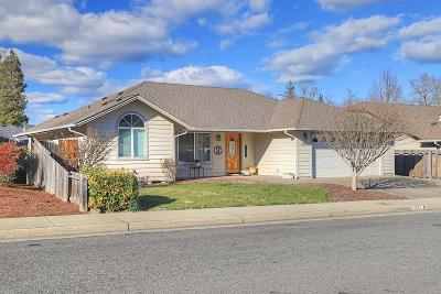 Grants Pass Single Family Home For Sale: 2674 Trinity Way
