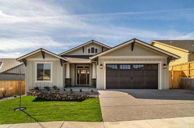 Medford Single Family Home For Sale: 857 Sonoma Court