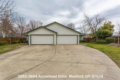 Medford Multi Family Home For Sale: 3882 Arrowhead Drive