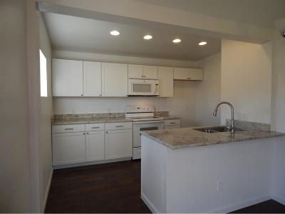 Medford Single Family Home For Sale: 208 Chestnut Street