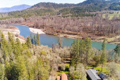 Grants Pass Single Family Home For Sale: 8265 Riverbanks Road