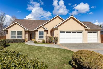 Eagle Point Single Family Home For Sale: 974 Fairview Court