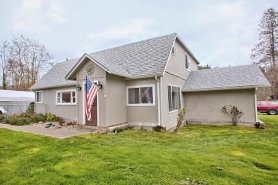 Rogue River Single Family Home For Sale: 770 W Evans Creek Road