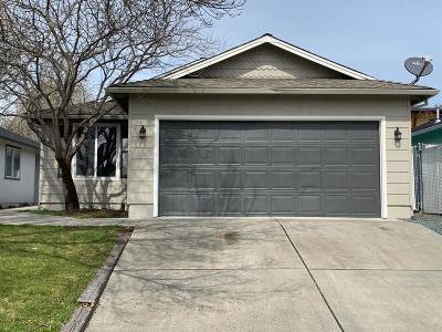 Eagle Point Single Family Home For Sale: 609 Teakwood Drive