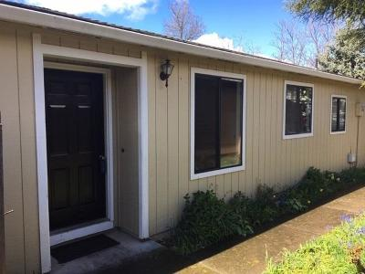 Medford OR Single Family Home For Sale: $230,000