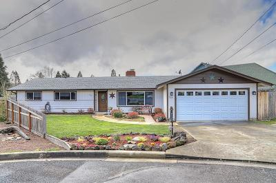 Grants Pass Single Family Home For Sale: 721 NE Pioneer Way